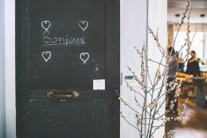 A door with Bonjour